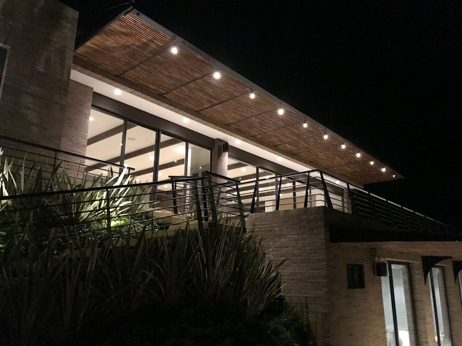 Casa en La Calera Cundinamarca. Conjunto Bosques de Granada y Cayunda Arquitectos y Entorno S.A.S Casas campestres
