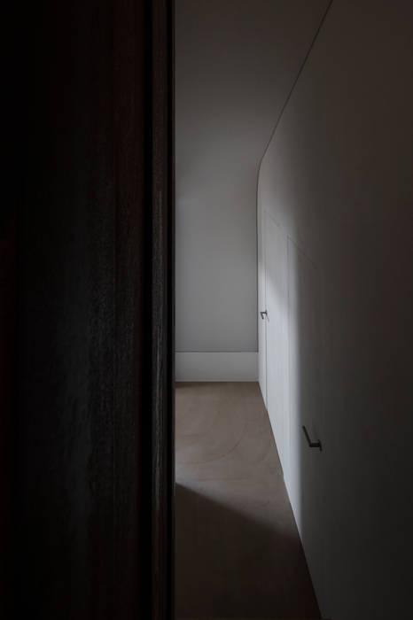 """""""Abitare tra Presente e Passato"""" Loft CB Studio Associato Conti & Claus Porte"""