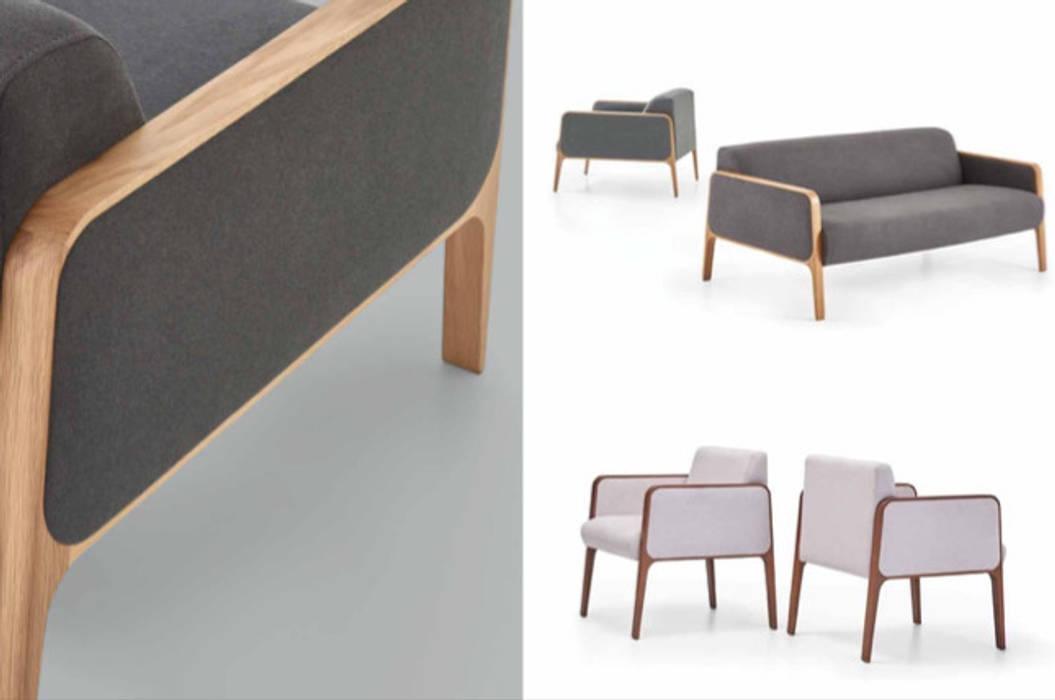 Wooden Upholstered Sofa and Armchairs SG International Trade Geschäftsräume & Stores