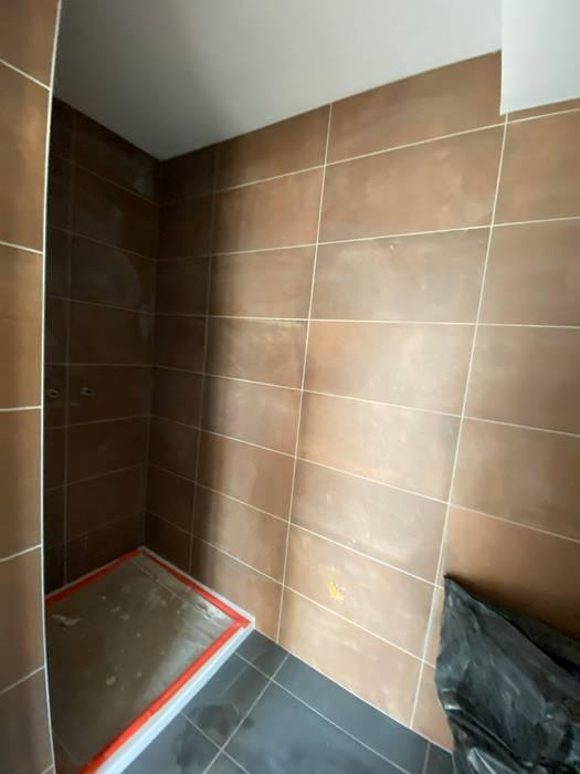 RÉAMÉNAGEMENT D'UNE MAISON - SOUTERNON 42 Salle de bain rustique par ATELIER 6 CS Rustique