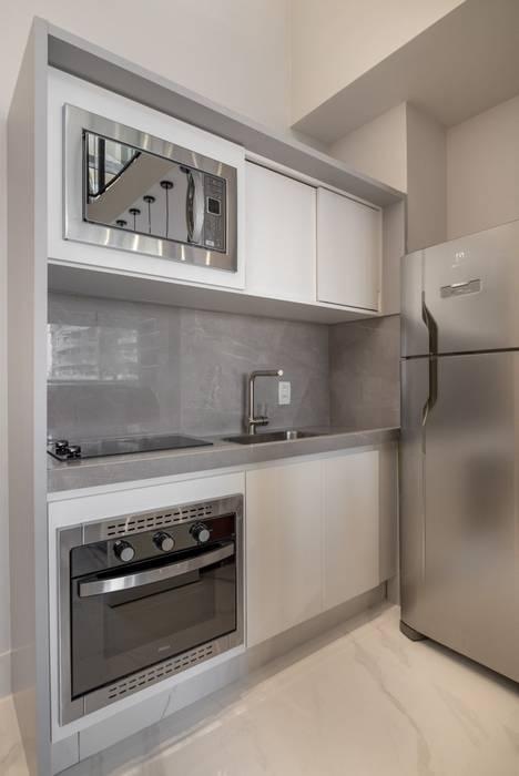 Cozinha Spazhio Croce Interiores CozinhaEletrônicos Ferro/Aço Cinza