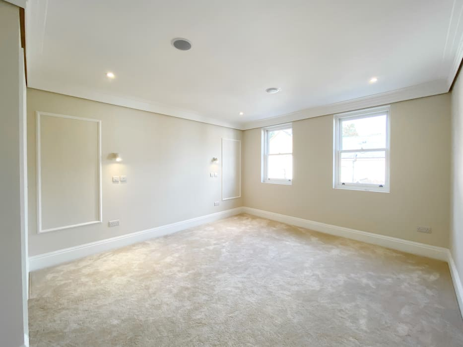 New Build Queens Road, Windsor The Market Design & Build Classic style living room