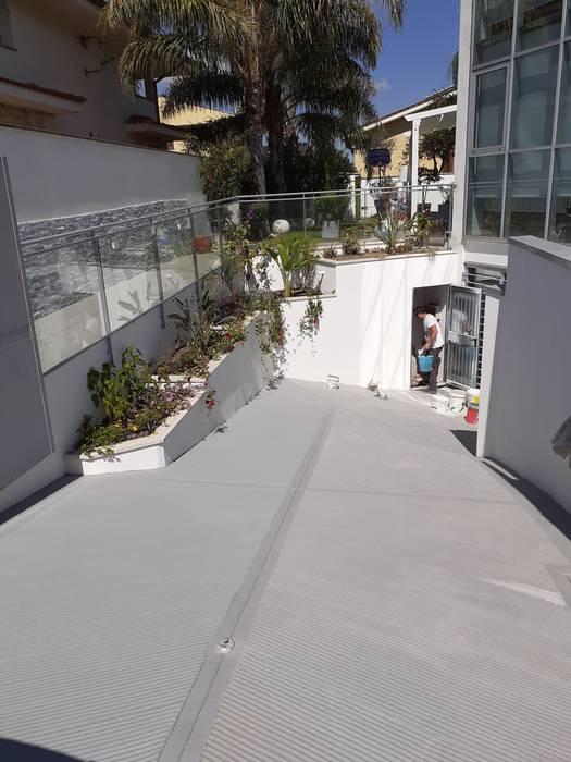 Realizzazione fioriere in muratura lungo il muro perimetrale e sopra il vano tecnico realizzate sul posto Ma.Ni. Ristrutturazioni Giardino anteriore