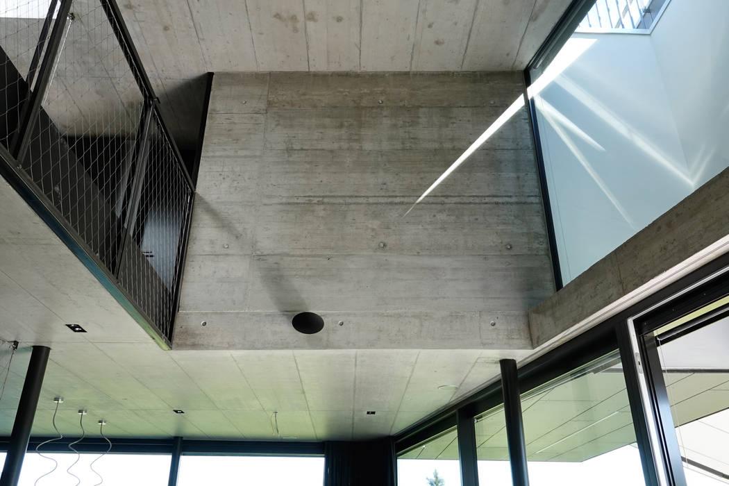 Hegi Koch Kolb + Partner Architekten AG Dinding & Lantai Modern