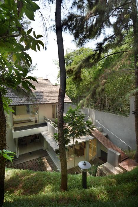 Cinere BAMA Rumah Tropis