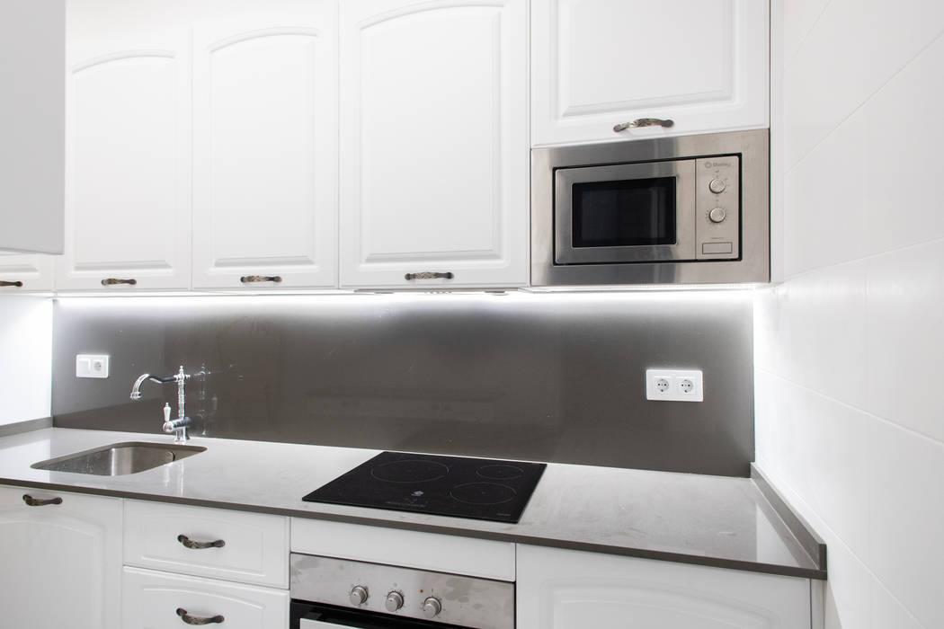 Muebles blancos de cocina Grupo Inventia Cocinas equipadas Compuestos de madera y plástico Blanco