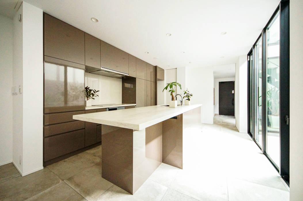 TERAJIMA ARCHITECTS/テラジマアーキテクツ Modern Kitchen Beige