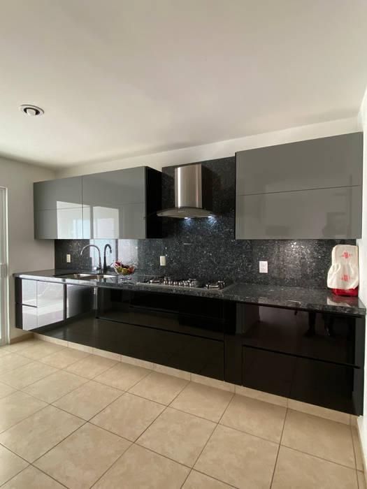 La Central Cocinas Integrales S.A de C.V Kitchen units Black