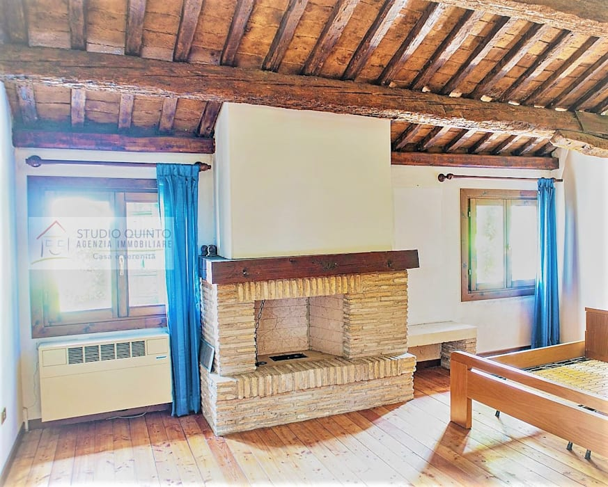 Agenzia Studio Quinto Colonial style bedroom