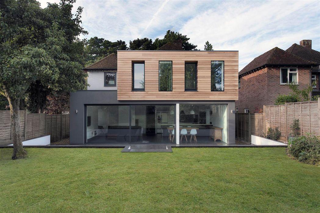 AR Design Studio- The Medic's House AR Design Studio Casas modernas