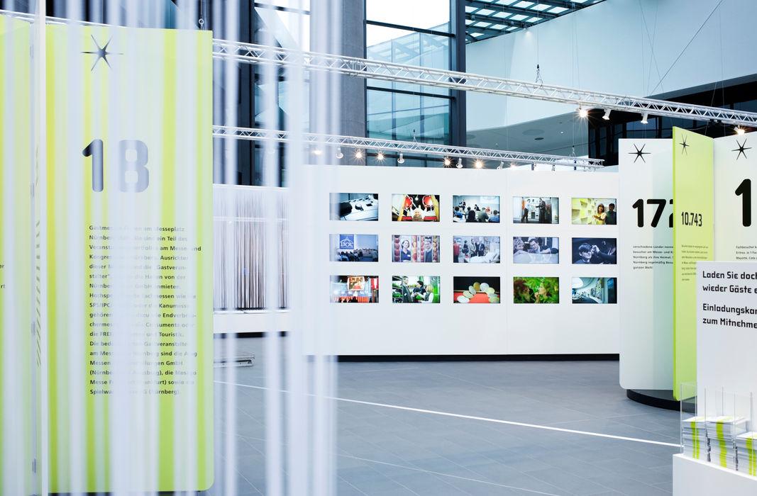 Messestand Marius Schreyer Design Moderner Multimedia-Raum