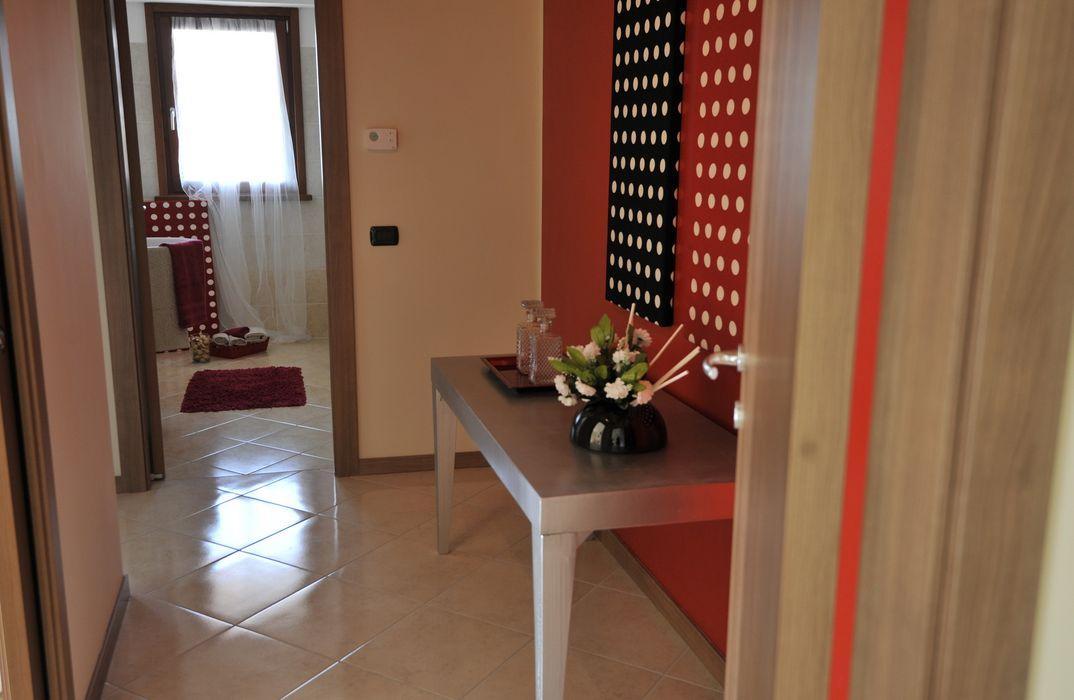 corridoio Gabriella Sala Design Ingresso, Corridoio & Scale in stile moderno