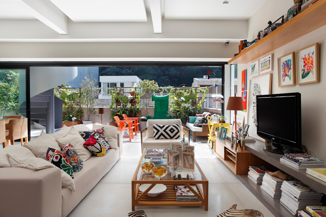 Cobertura Leblon Escala Arquitetura Salas de estar ecléticas