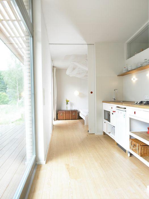 Küche SOMMERHAUS PIU - YES WE WOOD Skandinavische Küchen Holz