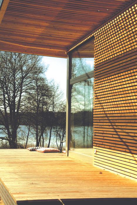 Sommerhaus PIU 65 SOMMERHAUS PIU - YES WE WOOD Skandinavischer Balkon, Veranda & Terrasse