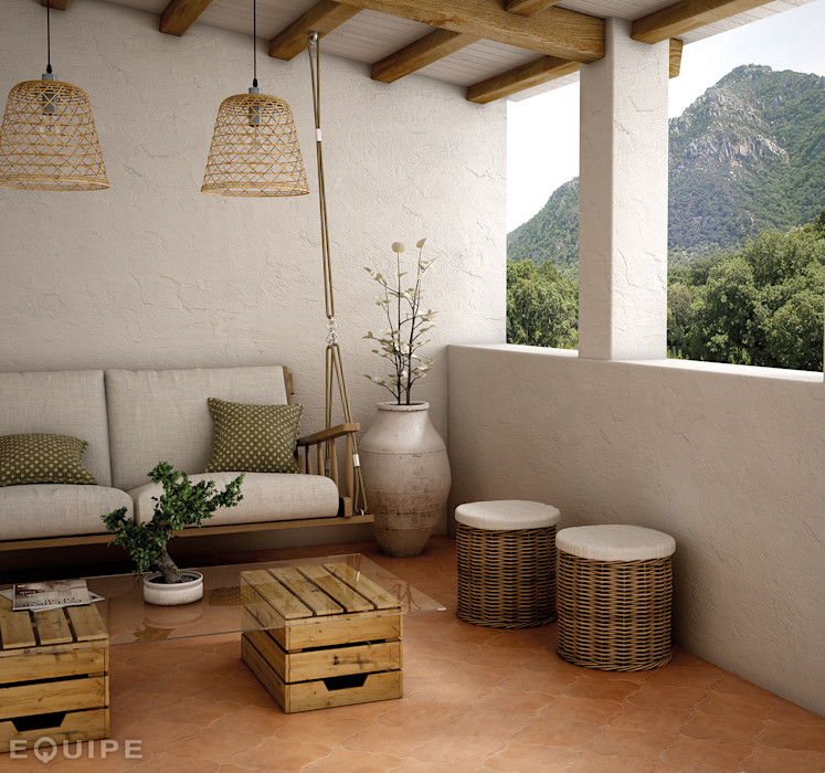 homify Country style balcony, porch & terrace