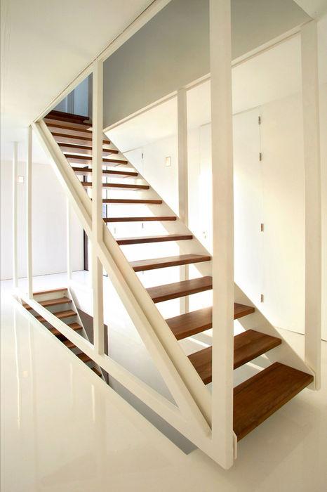 Brick Wall House 123DV Moderne Villa's Moderne gangen, hallen & trappenhuizen