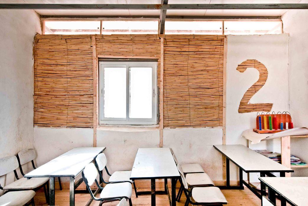 La Scuole nel Deserto - Abu Hindi primary school ARCò Architettura & Cooperazione Scuole in stile eclettico