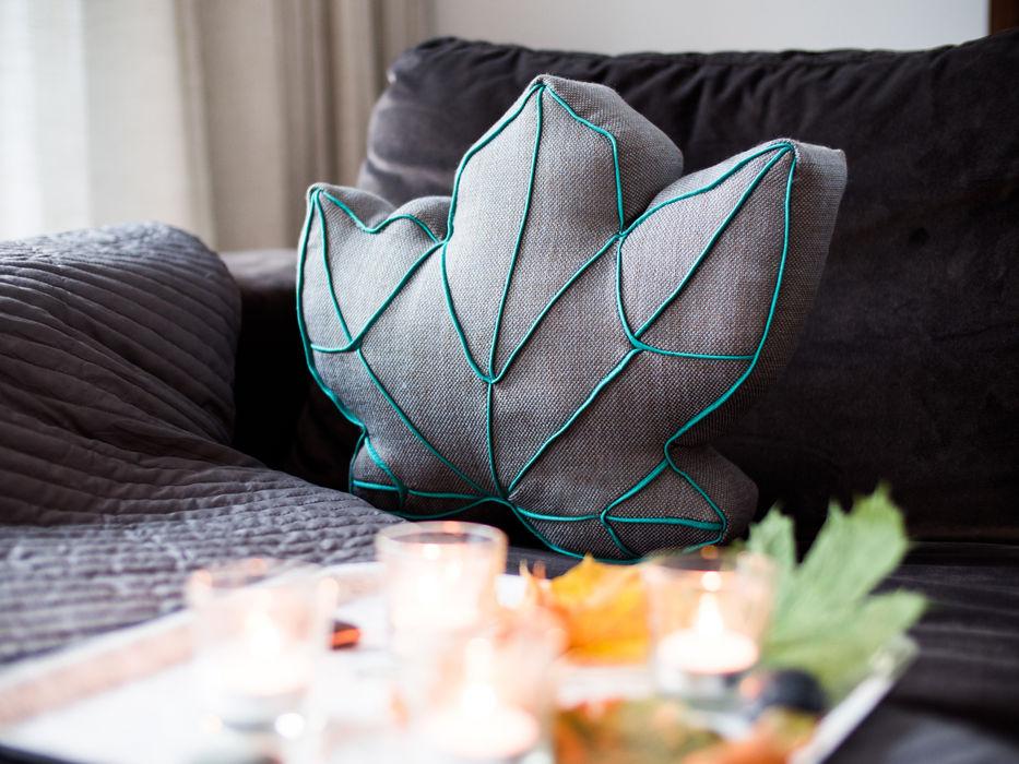 Gemütlich: ein Kissen in Blattform Nähjournal 'Sauber eingefädelt' WohnzimmerAccessoires und Dekoration