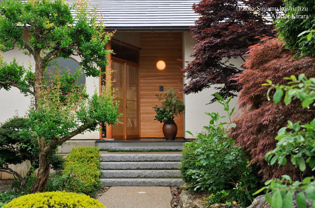 足利の家「素材と景色を楽しむ家」 アトリエきらら一級建築士事務所 モダンな庭