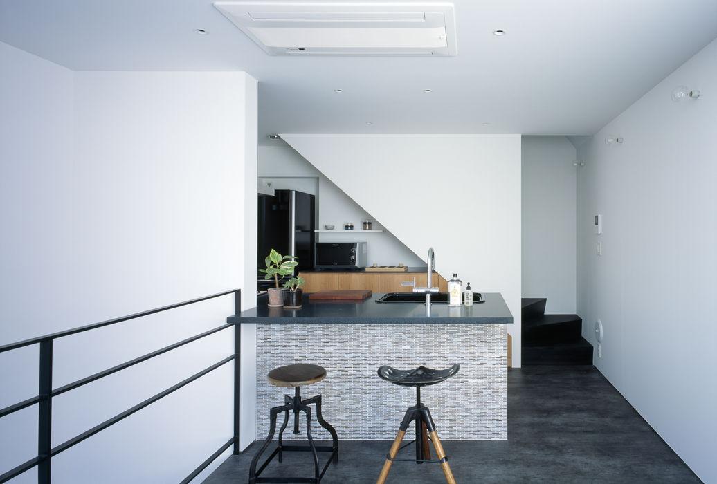 2階 キッチン 高橋直子建築設計事務所 ミニマルデザインの キッチン