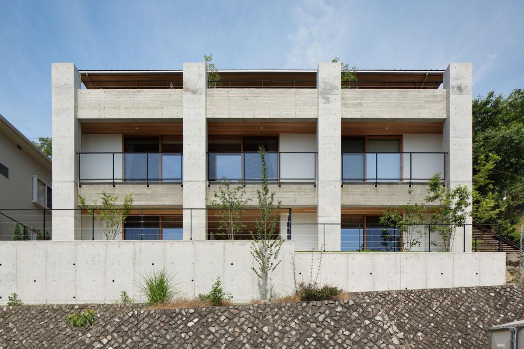 外観~甲府 I さんの家 atelier137 ARCHITECTURAL DESIGN OFFICE モダンな 家 コンクリート 灰色
