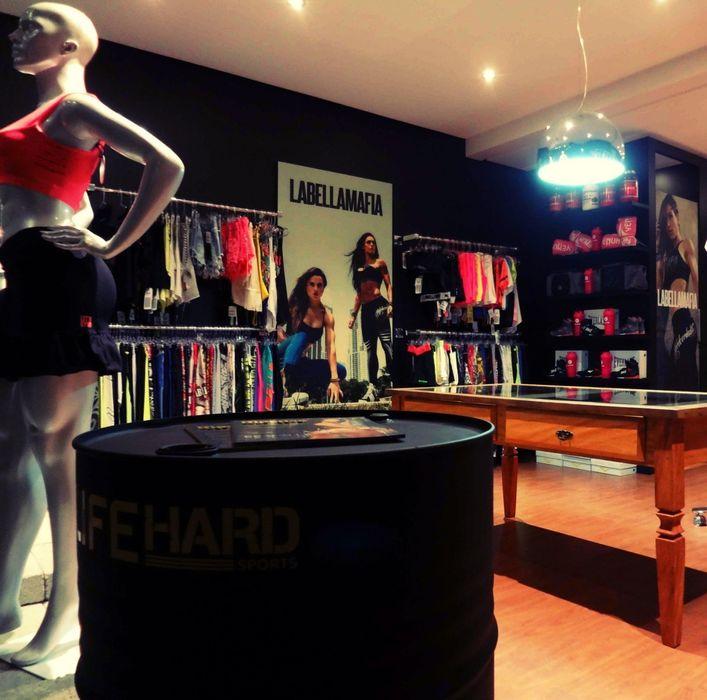 Studio Fabricio Battisti Офисы и магазины в стиле модерн