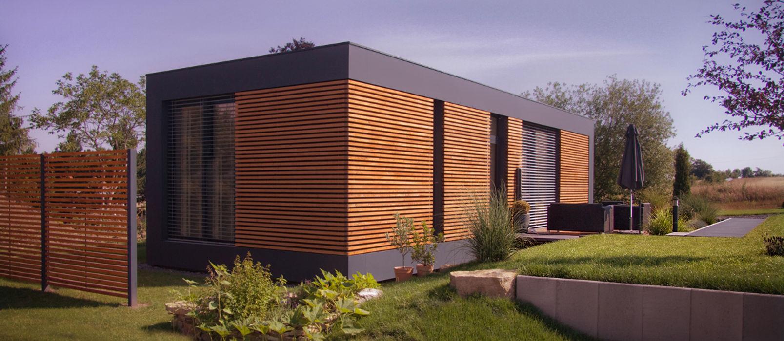 Musterhaus freelance smartshack Minimalistische Häuser