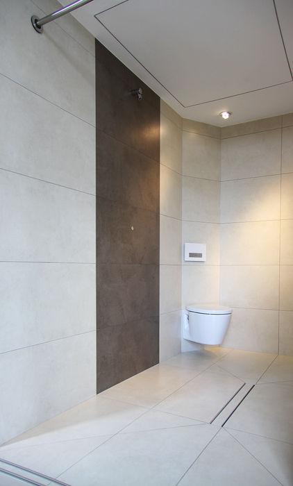 Musterhaus freelance smartshack Minimalistische Badezimmer