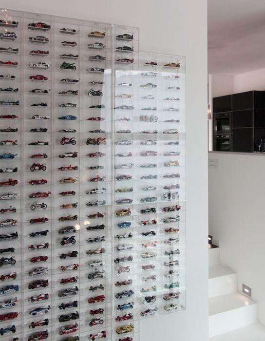 Teca in plexiglass per collezione modellini auto Francesca Bonorandi StudioContenitori