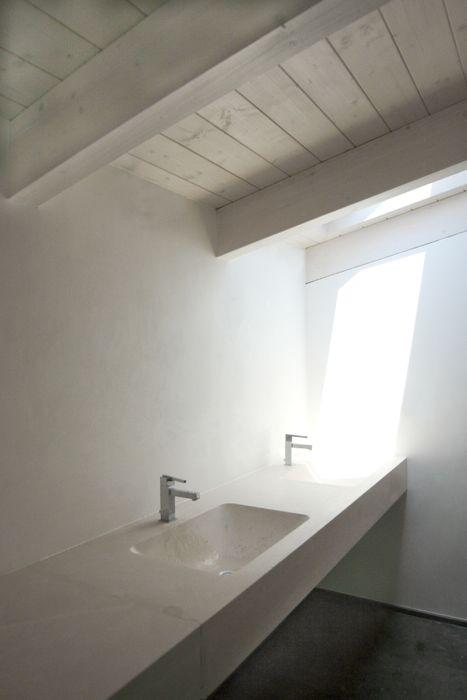Casa M Giandomenico Florio Architetto Bagno minimalista