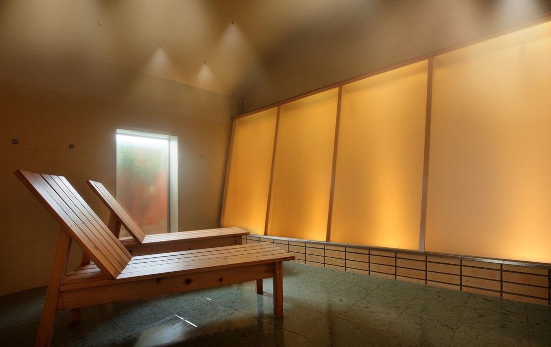 源泉ミストサウナ : mist sauna TAKA建築設計室 オリジナルなホテル