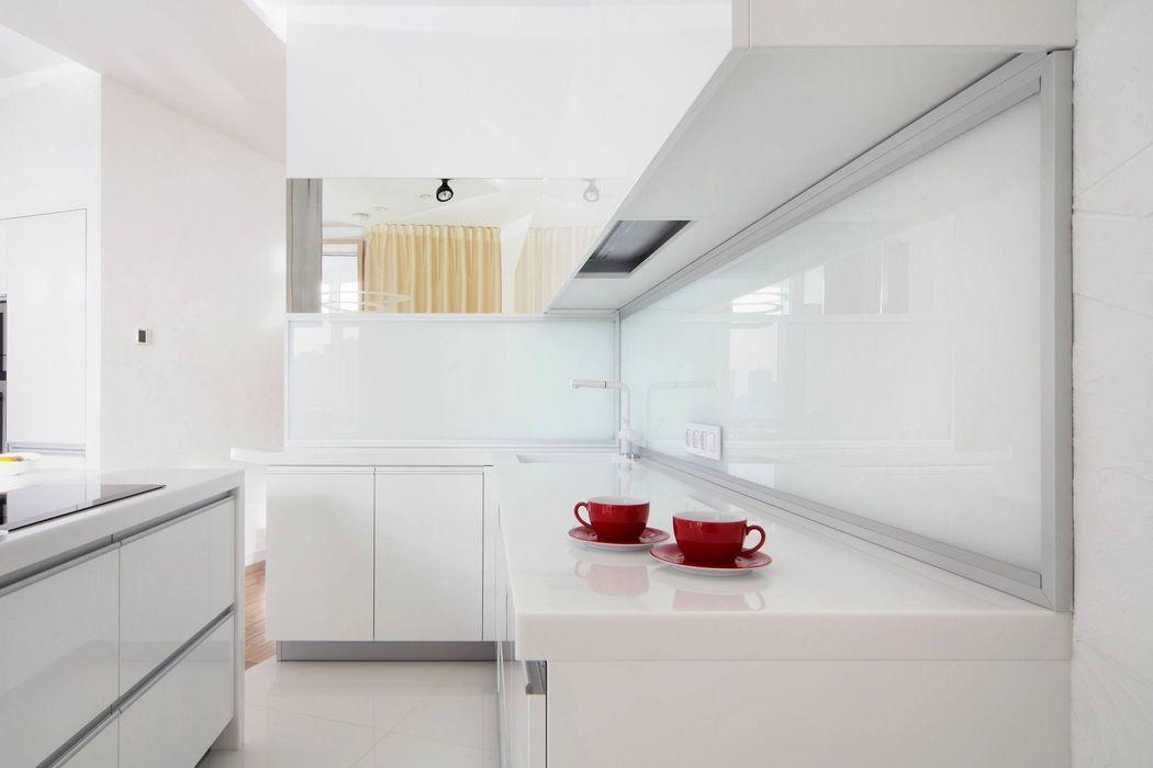 Квартира по ул. Февральской Революции Галина Глебова Кухня в стиле минимализм