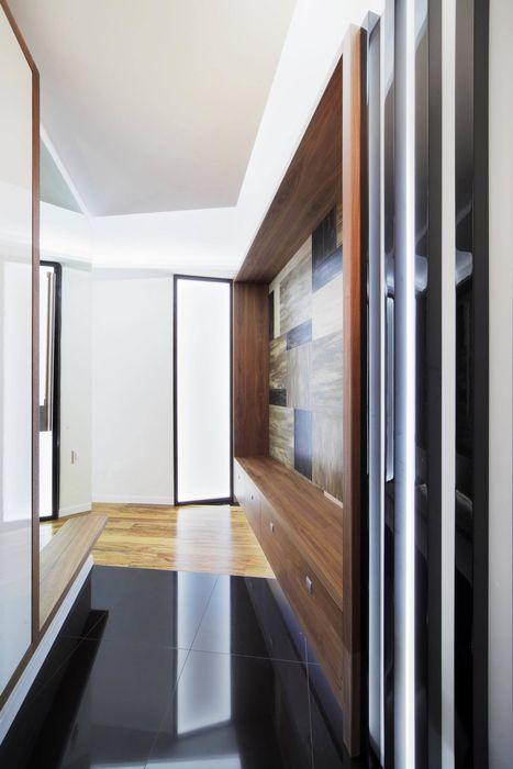 Квартира по ул. Февральской Революции Галина Глебова Коридор, прихожая и лестница в стиле минимализм