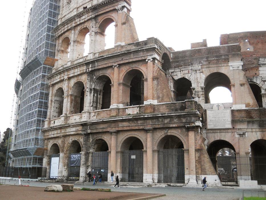 Colosseum Gonzato Contract Musei in stile classico