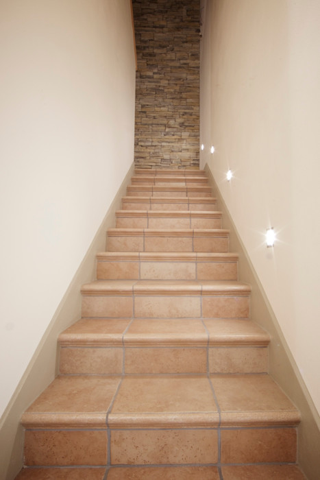 Modularis Progettazione e Arredo Eclectic style corridor, hallway & stairs