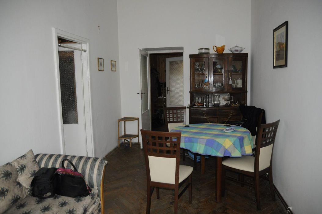 Salon przed home stagingiem Sceny Domowe