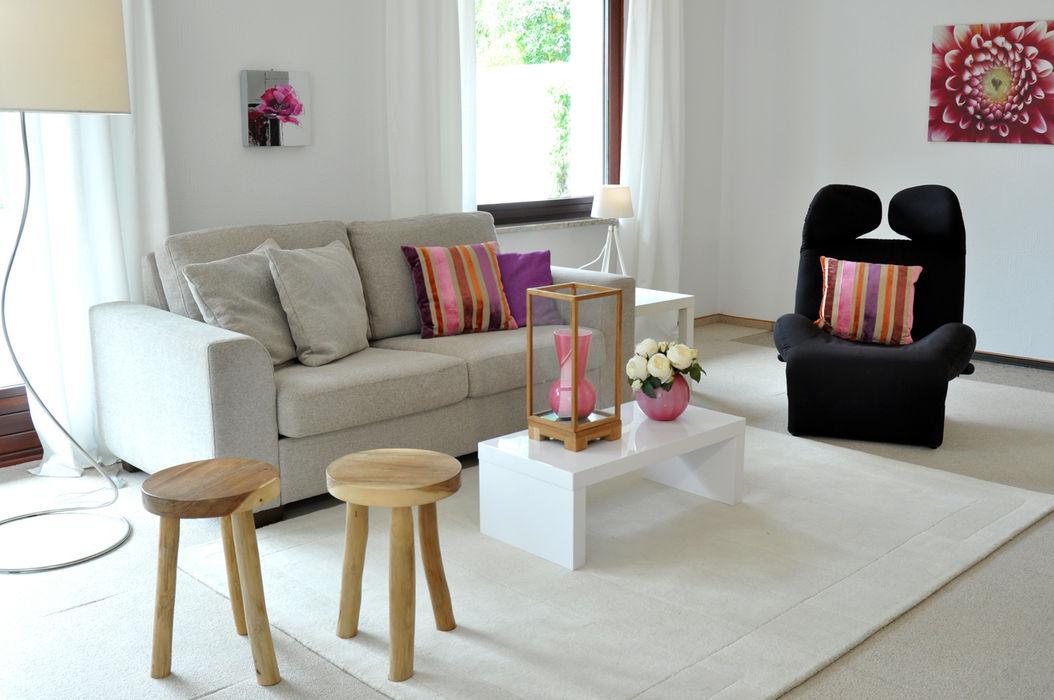Home Staging Bereich Wohnen MK ImmoPromotion Moderne Wohnzimmer