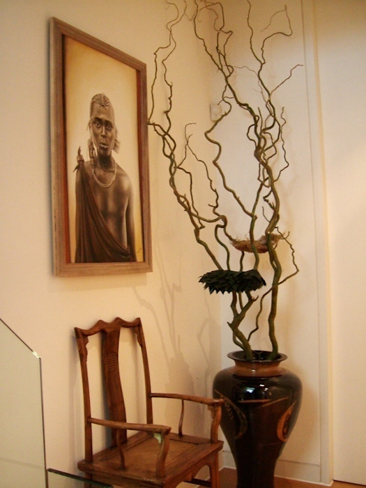 Landing with African Art and floral artpiece Space Alchemy Ltd Eclectic style corridor, hallway & stairs