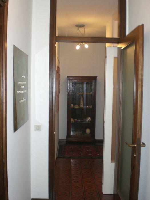 PRIMA: l'ingresso visto dal bagno sistemarredi di anna cavezzali