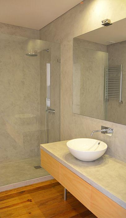 Casa de Banho Germano de Castro Pinheiro, Lda Casas de banho modernas Madeira Cinzento