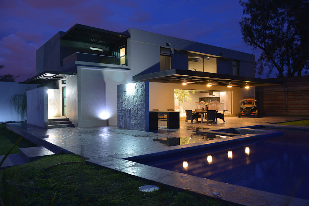 Casa Palenque Con Contenedores S.A. de C.V. Balcones y terrazas minimalistas Azulejos Gris