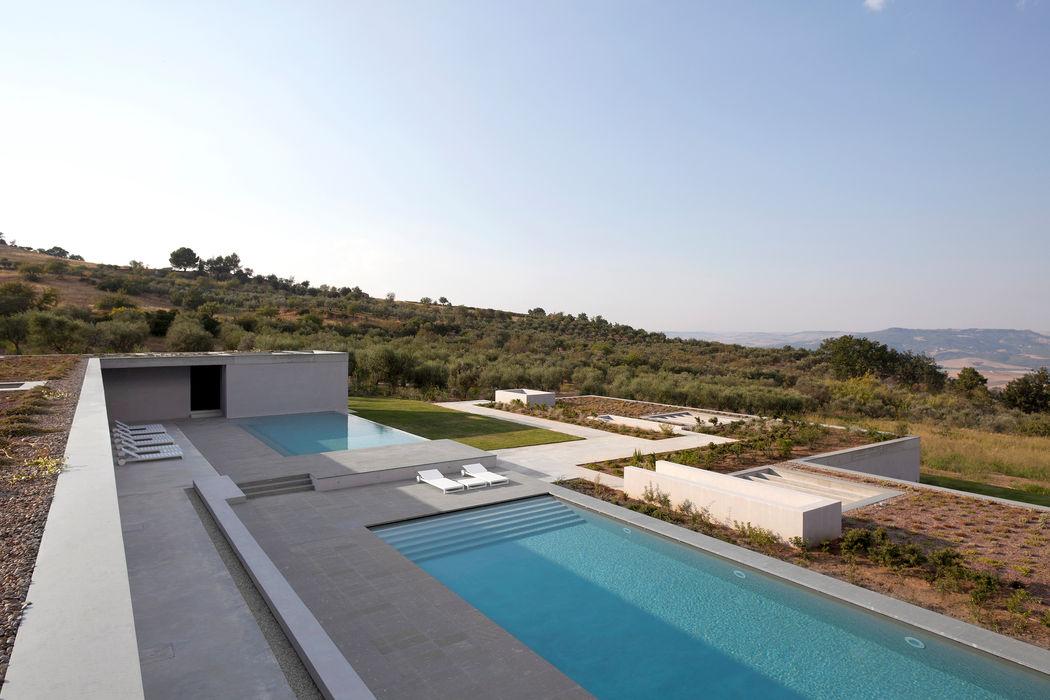 RESIDENZA PRIVATA Osa Architettura e Paesaggio Piscina in stile mediterraneo