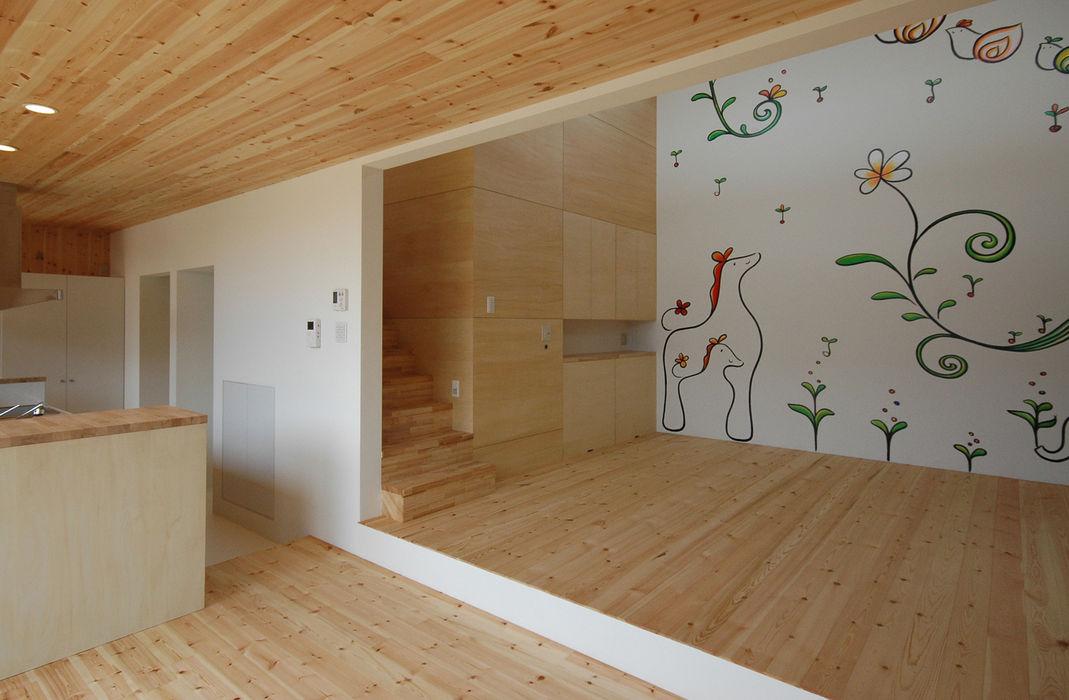 壁画のあるリビング 株式会社ブレッツァ・アーキテクツ 和風デザインの リビング