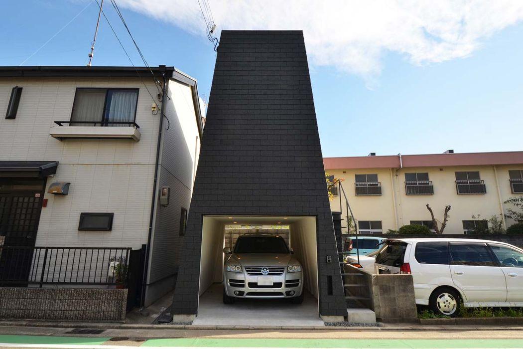 外観 関口太樹+知子建築設計事務所 モダンな 家 石 黒色