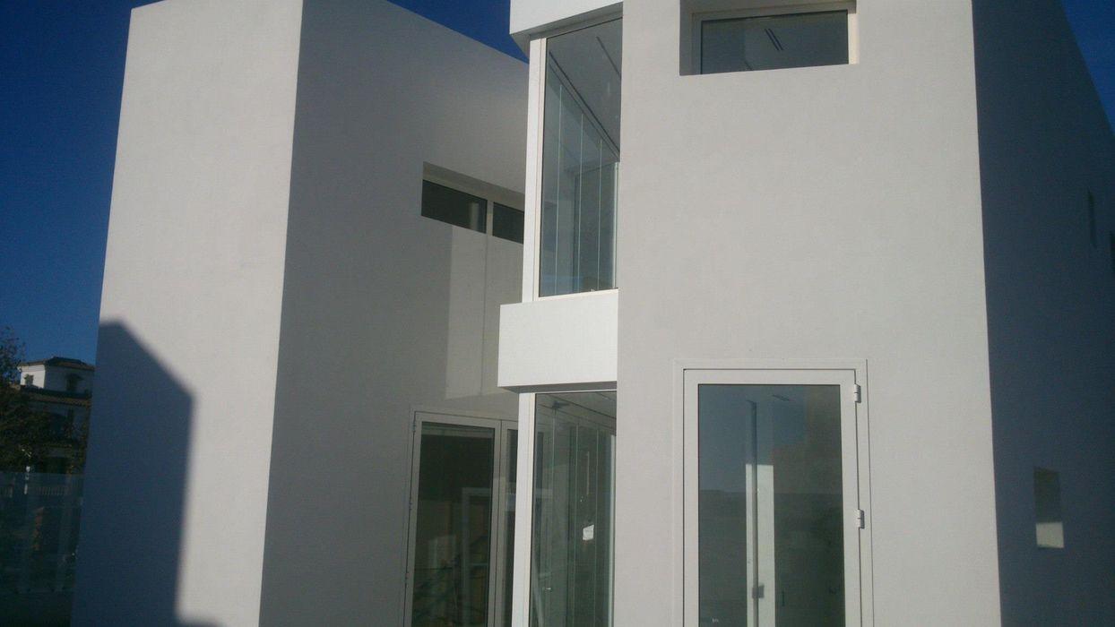 BS Ingeniería Classic style houses