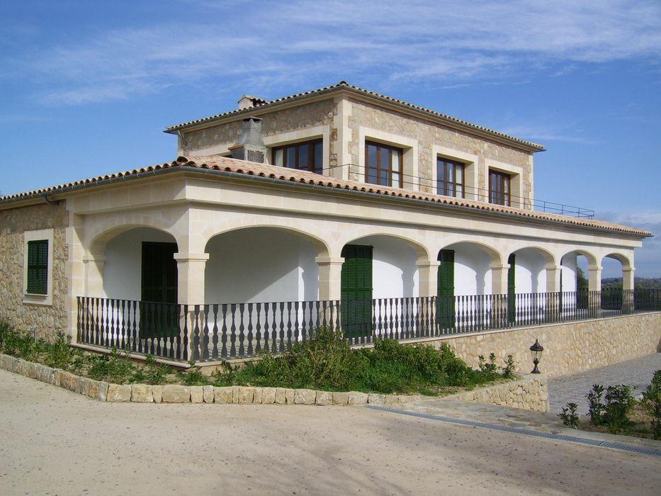 ABAD Y COTONER, S.L. Casas campestres Pedra