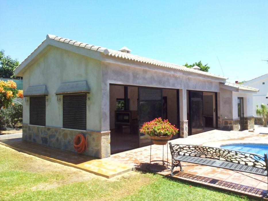 Casa de piscina - La Sierrezuela gsformato Casas de estilo clásico