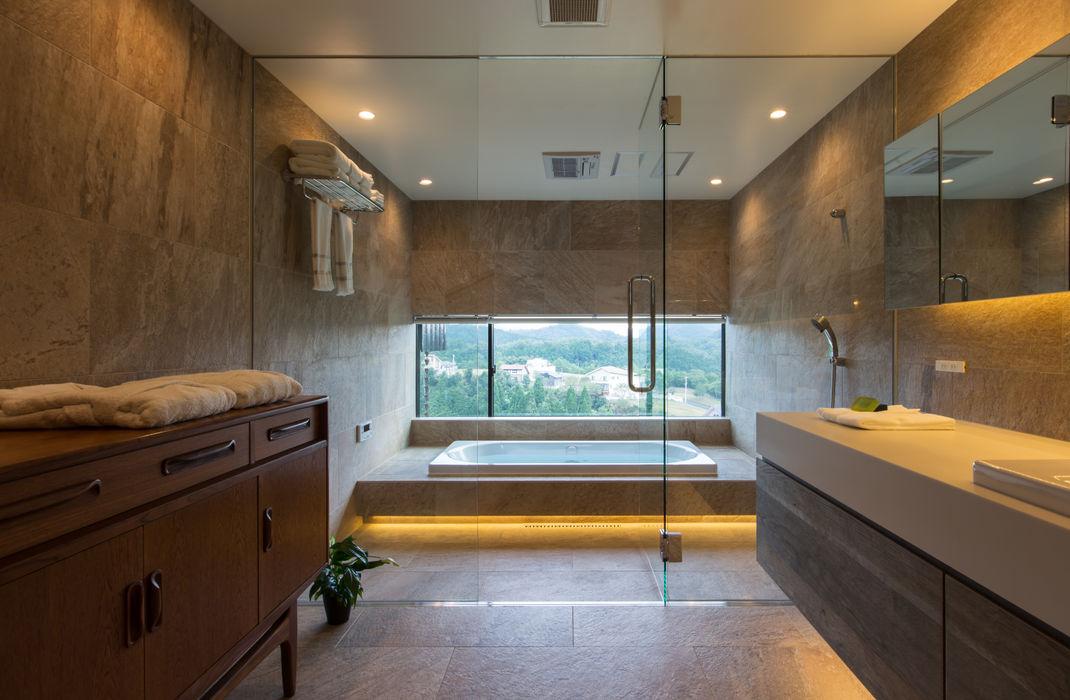 House in Sayo Mimasis Design/ミメイシス デザイン モダンスタイルの お風呂 灰色