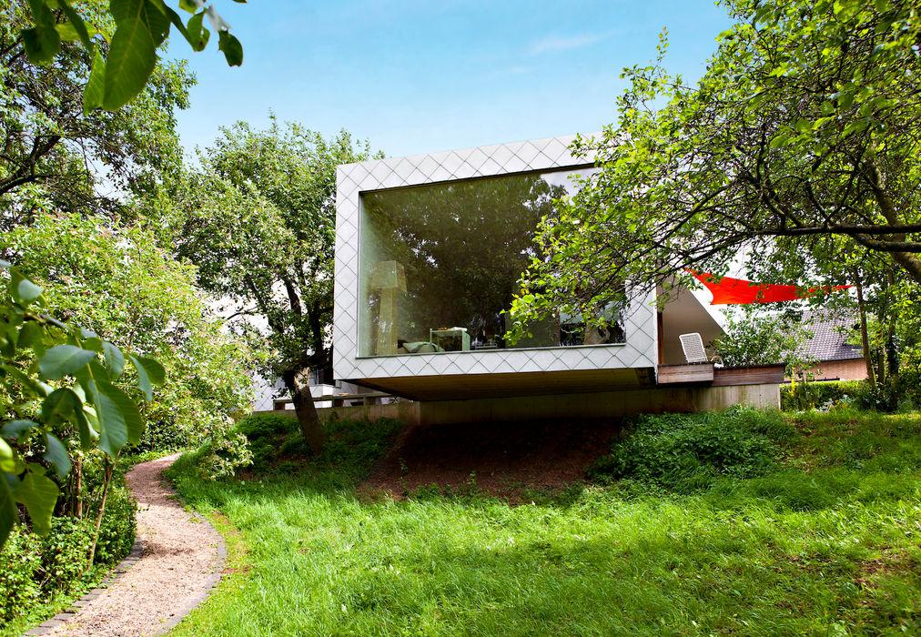Livingtube DANKE Architekten Moderne Fenster & Türen